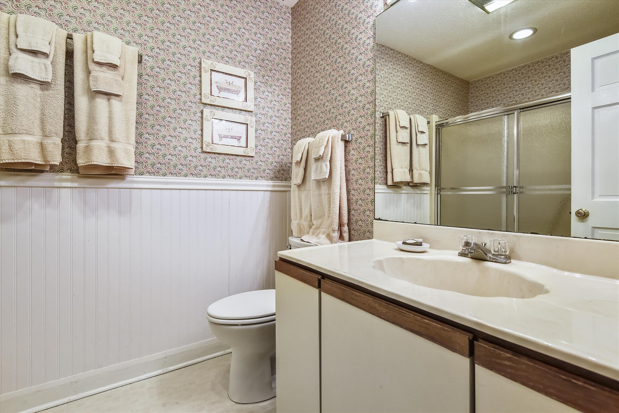 First Level-Bath-_DSC9557