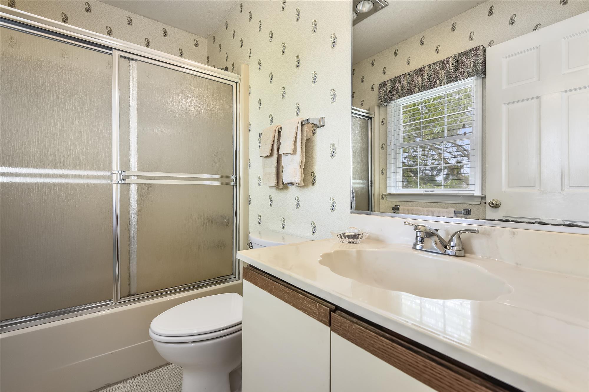First Level-Bath-_DSC9572