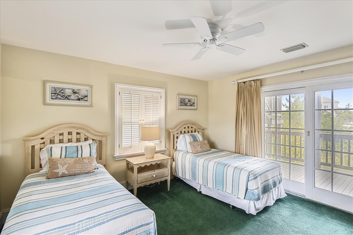 Fisrt level-Bedroom-_DSC0638