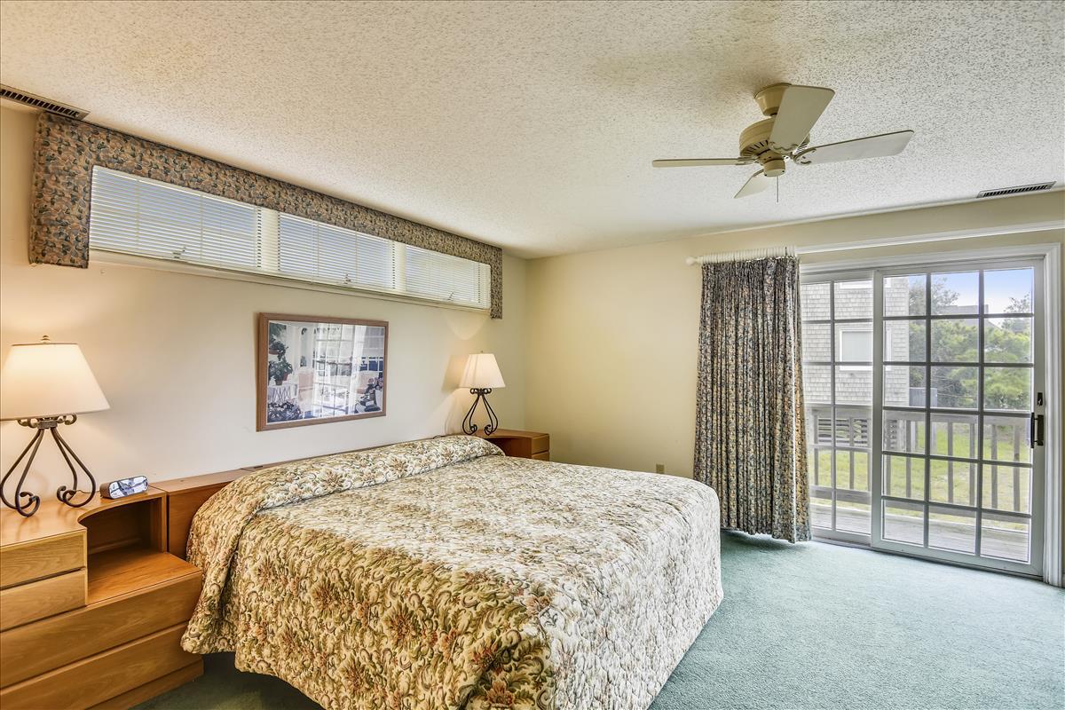 Lower Level-Bedroom 1-_DSC9909