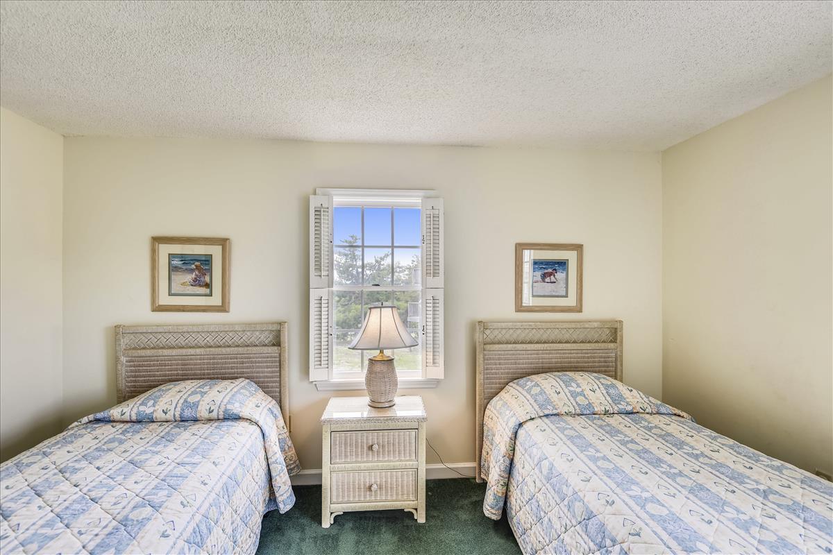 Lower Level-Bedroom 3-_DSC9959