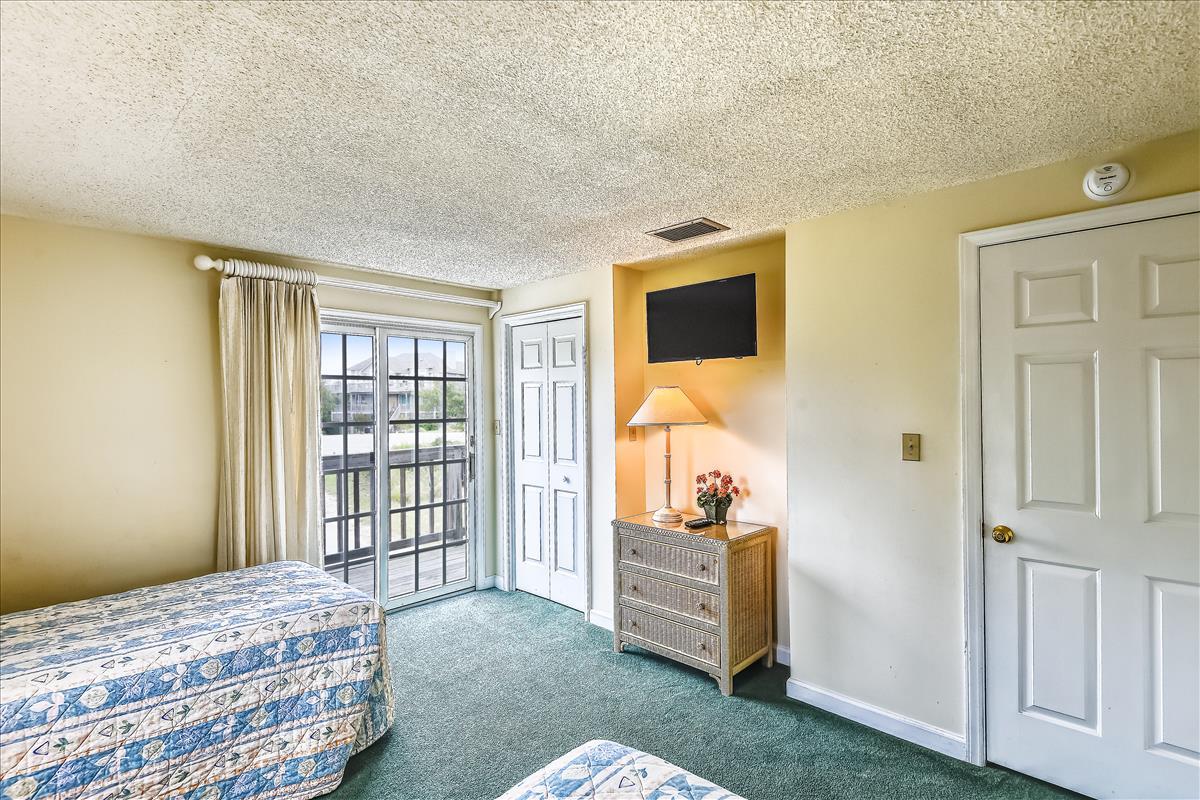 Lower Level-Bedroom 3-_DSC9964